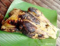 Wah, Gurih Semerbak Opor Ayam Bakar dari Sunggingan!