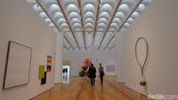 Di lantai ini juga terdapat pencahayaan yang bagus sehingga membuat karya-karya seni tampak mengagumkan. Foto: Tia Agnes/ detikHOT