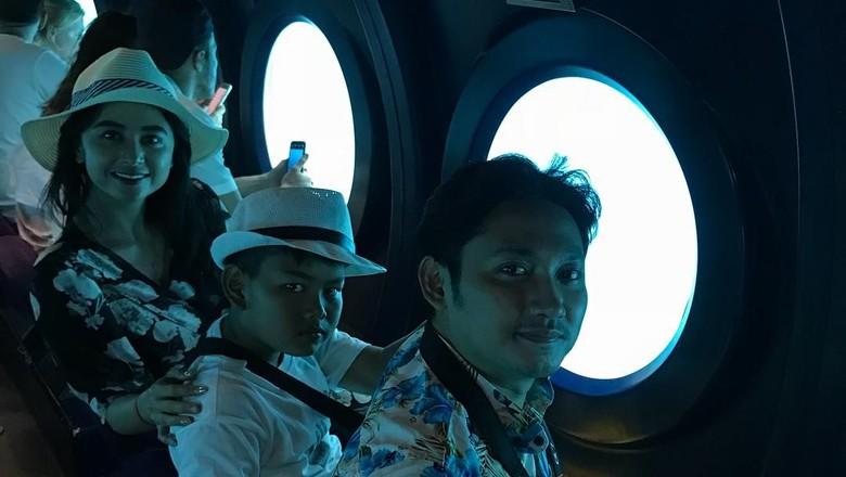 Foto: Dewi Persik liburan naik kapal selam di Maldives (dewiperssikreal/Instagram)
