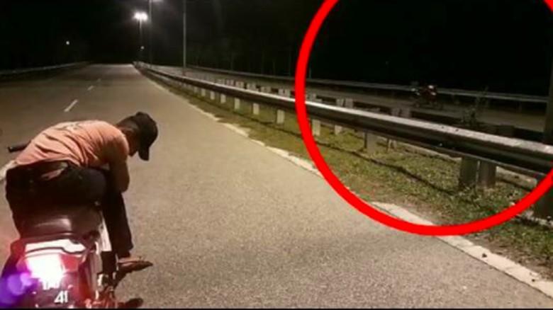 Seram, Ada Motor Jalan Sendiri Tanpa Pengendara Foto: Pool (Facebook)