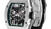 Richard Mille RM010 Le Mans Classic. Model ini merupakan jam tangan yang diproduksi secara eksklusif sebanyak 30 buah. Le Mans Carte sendiri merupakan nama salah satu ajang balapan bersejarah di dunia. Jam tangan ini memiliki edisi yang langka yaitu edisi Felipe Massa RM011. Foto: Watchfinder