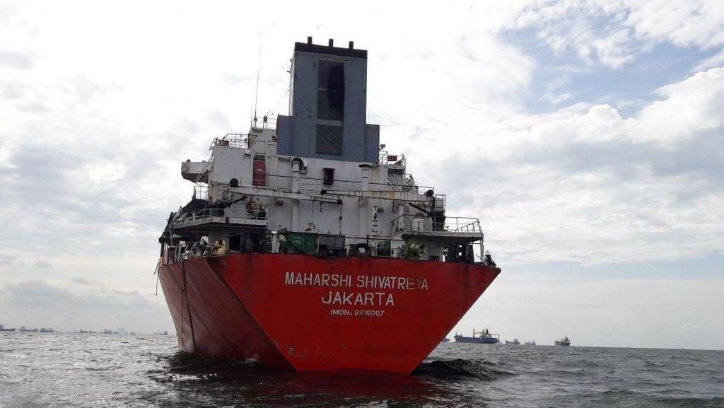 4 Pencuri Besi Kapal LPG Ditangkap di Perairan Teluk Jakarta