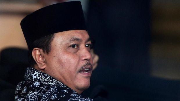 Ketua DPRD Jambi Cornelis Buston di gedung KPK, Jakarta, Jumat (5/1).