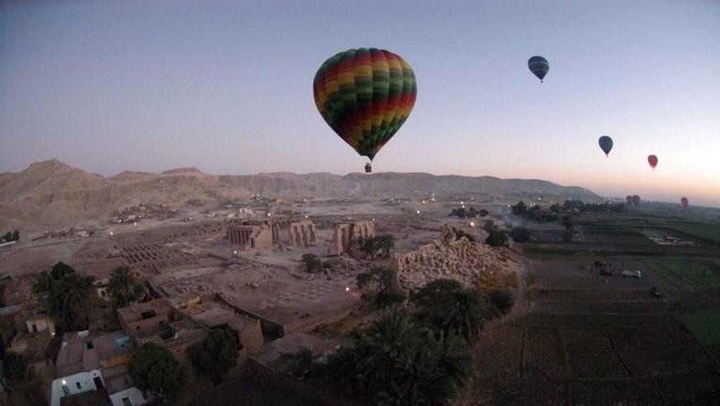 Tragis! Pria Tewas Terjatuh dari Balon Udara, Sempat Bergelantungan