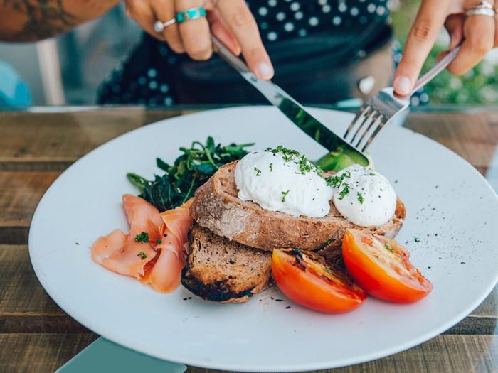 Pejuang Diet Ini 4 Trik Untuk Kurangi Porsi Makan Siang Anda