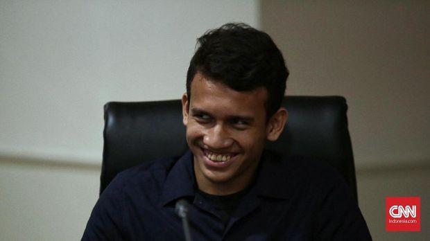 Egy Maulana Vikri menunda keberangkatannya ke Eropa demi memenuhi panggilan Timnas Indonesia.