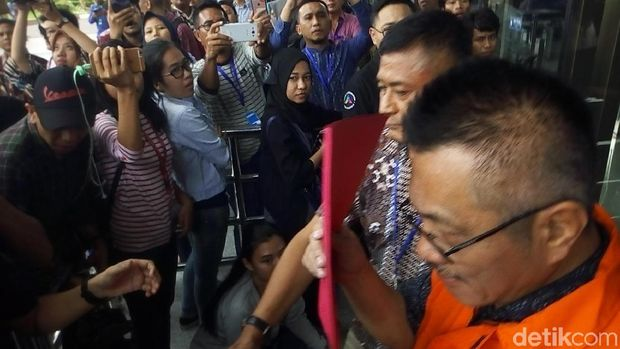 KPK Tahan 3 Tersangka Kasus Suap Bupati HST Kalsel