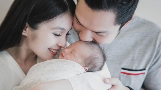 Kebahagiaan Sandra Dewi Dikaruniai Anak Pertama