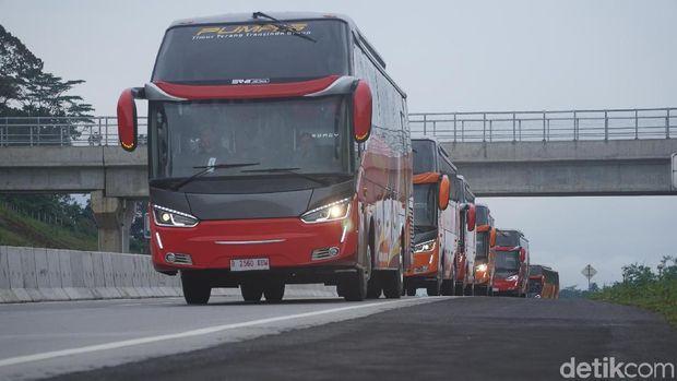 PT Putera Mulya Sejahtera menambah armada busnya sebanyak 12 unit pada akhir tahun lalu.