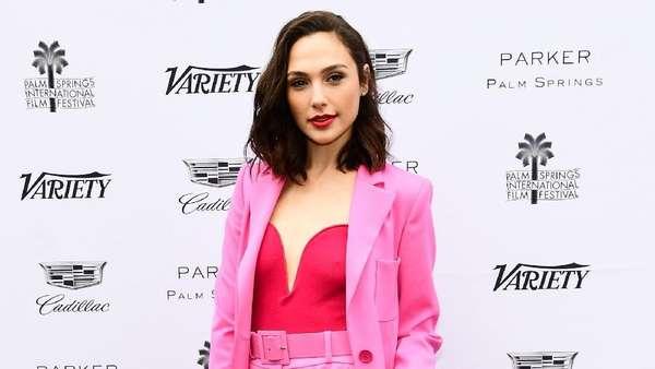 Gal Gadot, Hot in Pink!