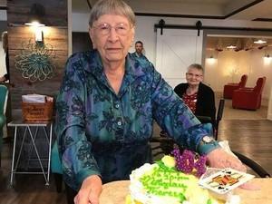 Wah, Rahasia Umur Panjang Nenek 104 Tahun Ini Minum Soft Drink Tiap Hari!