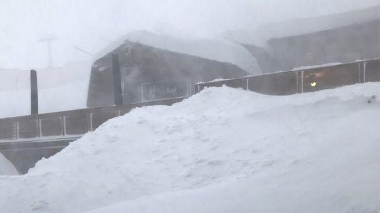 Badai Eleanor Terjang Pegunungan Alpen, Resor Ski Tertimbun Salju