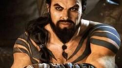Berperan sebagai Khal Drogo di film series Game of Thrones dan menjadi tokoh utama Aquaman, Jason Momoa punya badan yang kekar banget! Lihat olahraganya.