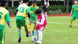 Tak sedikit anak yang mengikuti jejak orang tuanya untuk menjadi artis. Tapi, lima anak seleb ini lebih suka terjun di dunia olahraga. Siapa saja mereka?
