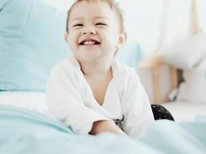 Imutnya Anak-anak Selebritis Saat Unjuk Gigi