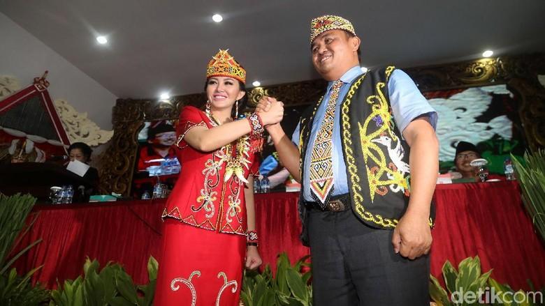 Setelah PDIP, Karolin-Suryadman Gidot Dapat Dukungan Demokrat