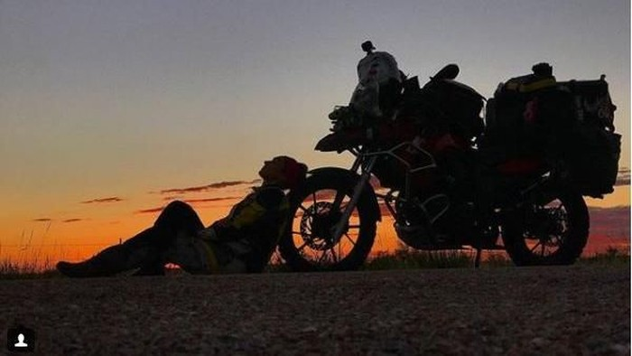 Maral Yazarloo, Cewek Kelahiran Iran yang Jelajah Bumi Pakai Motor
