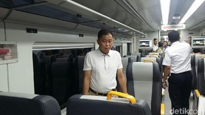 Jajal Kereta Bandara, Jonan: Irit BBM, Irit Waktu, Irit Polusi