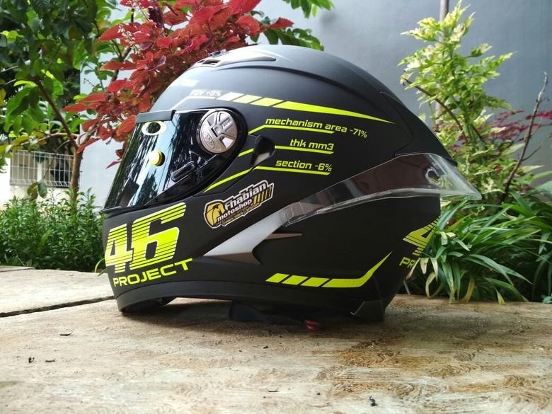 Helm Modifikasi. Foto: Dok. Fhabian Motoshop
