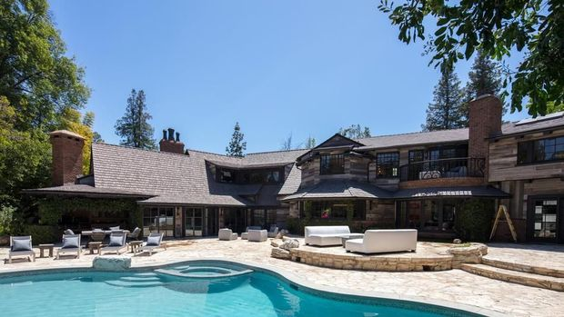Rumah mewah Logan Paul.