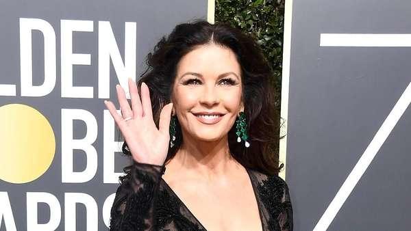 Catherine Zeta-Jones Tetap Seksi di Usia Hampir 50 Tahun