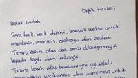 Dari penjara, Ahok juga menulis surat untuk orang dekatnya di Balai Kota yaitu seorang pegawai harian lepas (PHL) bernama Indah. Awalnya, Indah yang menyurati Ahok di Mako Brimob lalu kemudian dibalas. Terima kasih atas bantuannya yang selalu menyiapkan makanan dan minuman untuk saya sejak dari wagub sampai selesai tugas saya sebagai gubernur DKI, tulis Ahok di suratnya. (Foto: Instagram @basukibtp)
