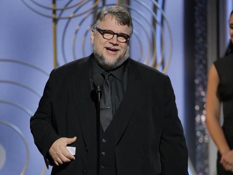Guillermo del Toro Bawa Pulang Piala Best Director BAFTA 2018