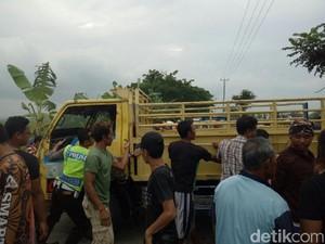 3 Tewas dan 9 Luka Berat, Truk Angkut Penumpang Terguling di Grobogan