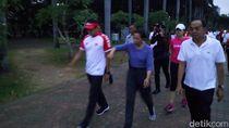 Foto: Sandi dan Menteri Rini Olahraga di Monas, Lalu Makan Bubur