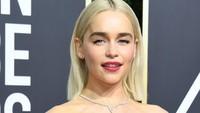 Emilia Clarke dalam sebuah sesi wawancara menyebut bahwa dirinya dibayar sama dengan Kit yakni 500 ribu dollar per episode. Foto: Getty Images