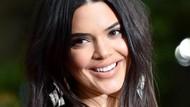 Perawatan Kulit Sehari-hari Kendall Jenner untuk Atasi Jerawat