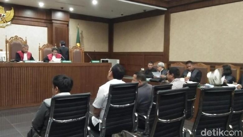 Heran 5 Mobil Auditor BPK Dipindah Usai OTT, Hakim: Alasannya Apa?