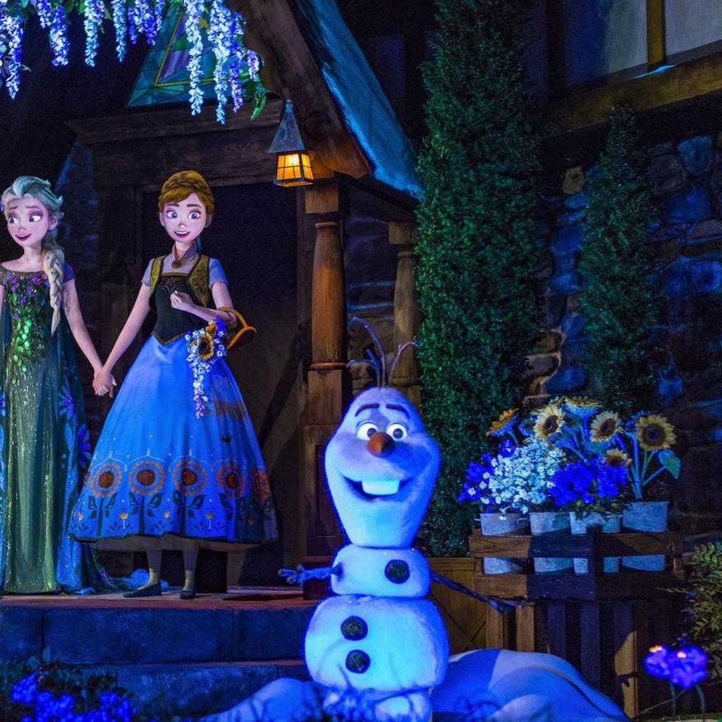Olaf Berjenis Kelamin Perempuan di Panggung Broadway