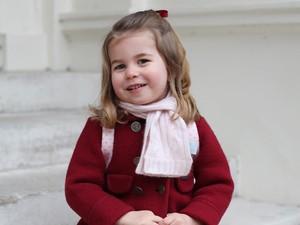 Di Usia Dua Tahun, Putri Charlotte Sudah Bicara Dua Bahasa
