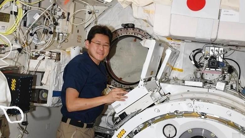 Usai Mengaku Bertambah Tinggi 9 Cm, Astronot Jepang Minta Maaf