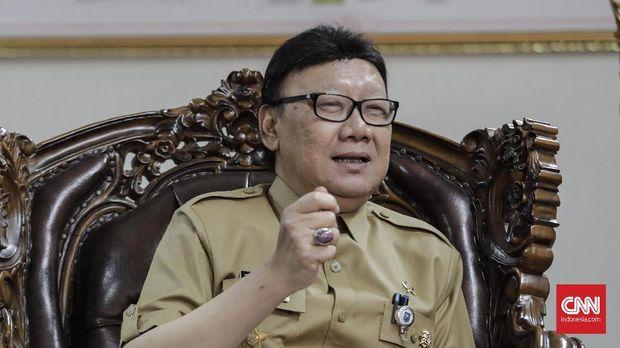Mendagri Tjahjo Kumolo menyebut permohonan perpanjangan pendaftaran FPI sudah masuk ke pihaknya tapi belum tuntas prosesnya.
