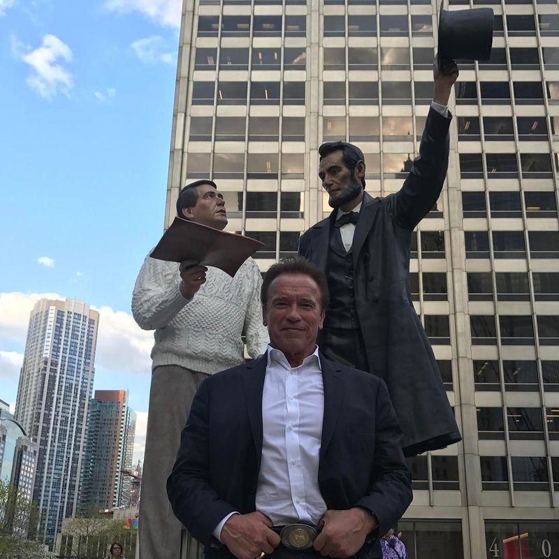 Arnold Schwarzenegger merupakan aktor sekaligus politisi kelahiran Austria. (schwarzenegger/Instagram)
