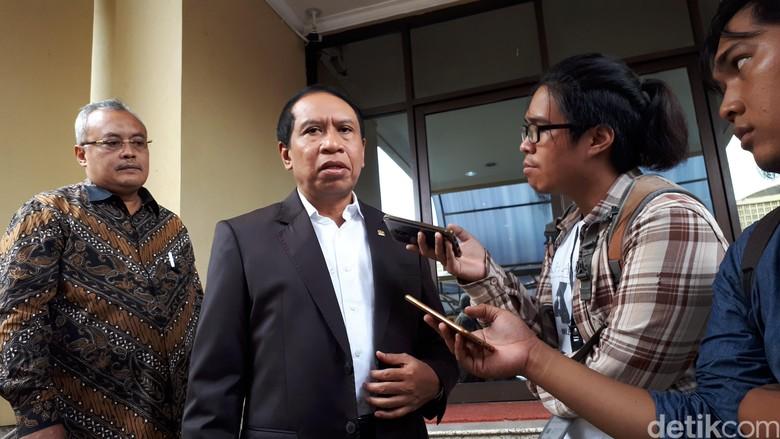 Ketua Komisi II Tolak Bongkar Jenazah KPPS: BPN Politisasi Orang Wafat