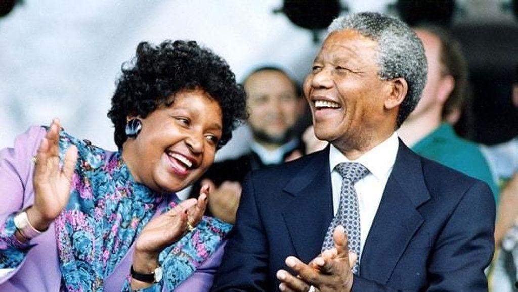 Mantan Istri Nelson Mandela Meninggal Dunia