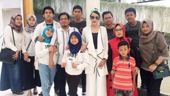 Nita Thalia Jadi Istri Kedua, Keluarganya Tetap Harmonis