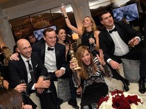 8  Momen Selebriti Bersama Makanan di Pagelaran Golden Globes