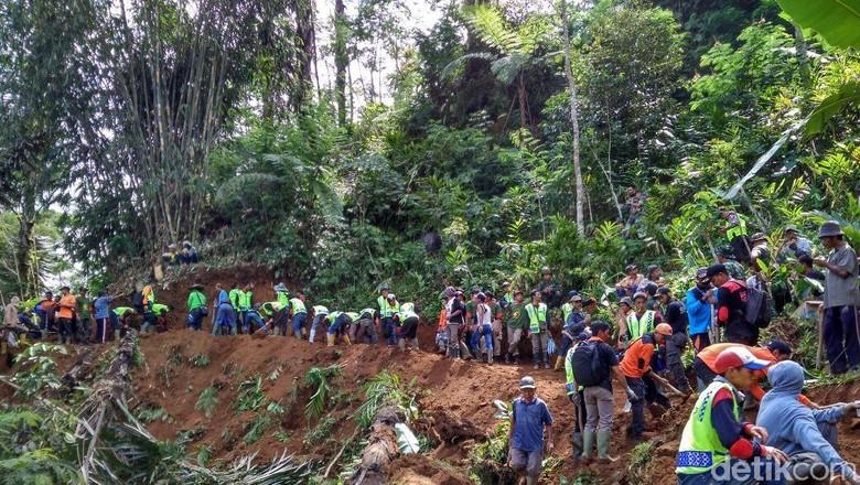 Terisolir Akibat Tanah Gerak di Banjarnegara, Harga Kebutuhan Naik