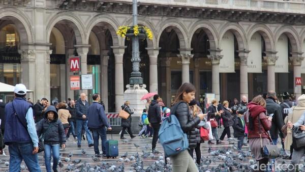 Buat para fashionista, Milan sudah seperti destinasi wajib untuk dikunjungi. Banyak butik desainer ternama di kota ini. Tinggal pilih saja sesuai dengan budget (Erwin Dariyanto/detikcom)