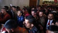 Mantan Wapres Boediono juga hadir.