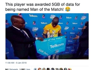 Untuk Man of The Match di Afrika: Paket Data 5GB, Bir, Sandal