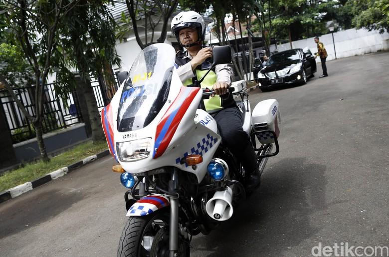Meski Dikejar Waktu Patwal Berusaha Tidak Seenaknya di Jalan Foto: Rachman Haryanto
