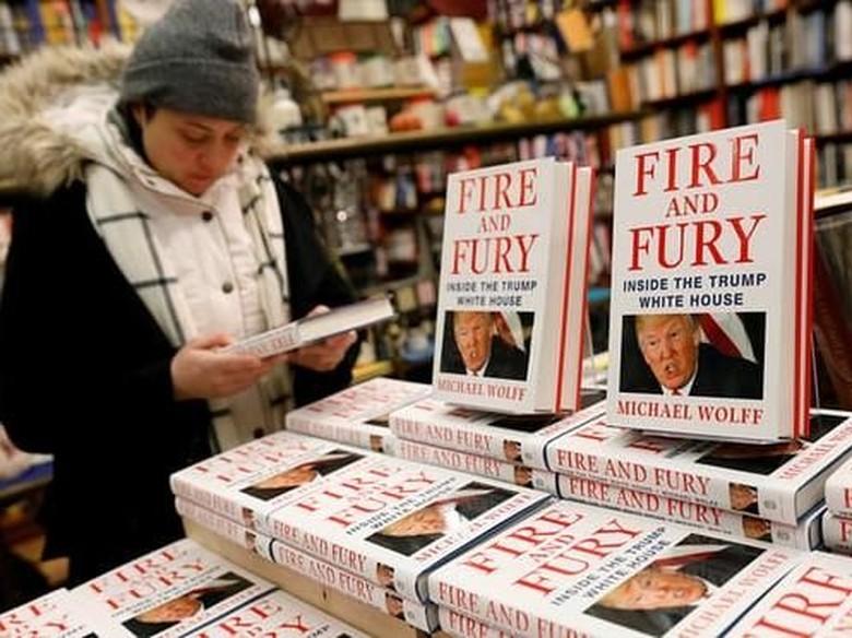 Buku Politik Donald Trump Merajai Inggris