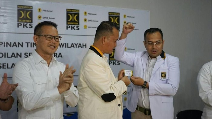 Foto: Wali Kota Pangkalpinang M Irwansyah resmi menjadi kader Partai Keadilan Sejahtera (PKS). (Istimewa)