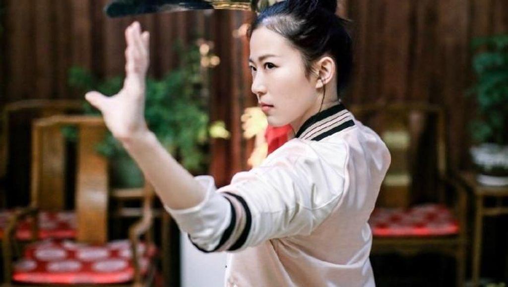 Seksi dan Berprestasi, Jagoan Kungfu Ini Memikat Netizen