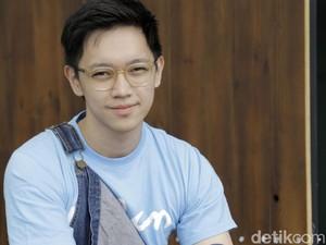 Brandon Salim Senang Dilan 1990 Ditonton Jokowi